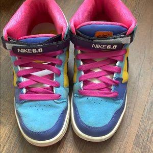 Nike 6.0 size 8